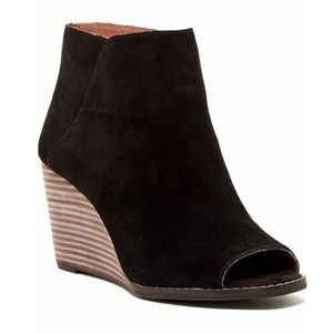 Lucky Brand Jezzeh Ankle Bootie (size 8)